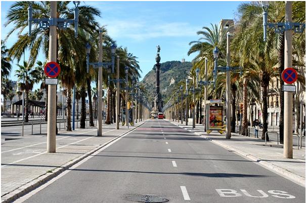 Road in Barcelona          Pixabay/Strukturfee