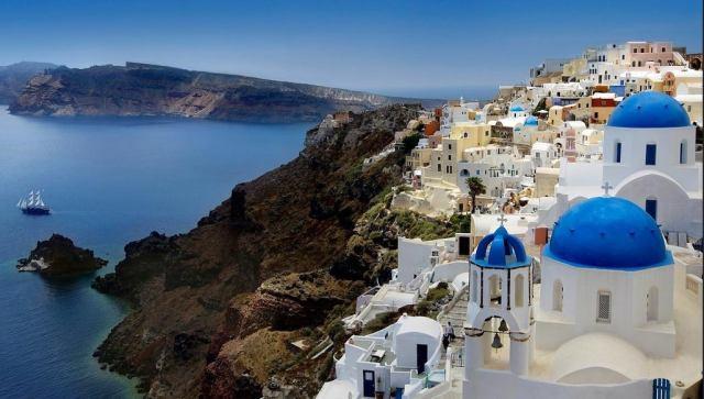 Santorini Photographer: furrymammals/Creative Commons/Flickr